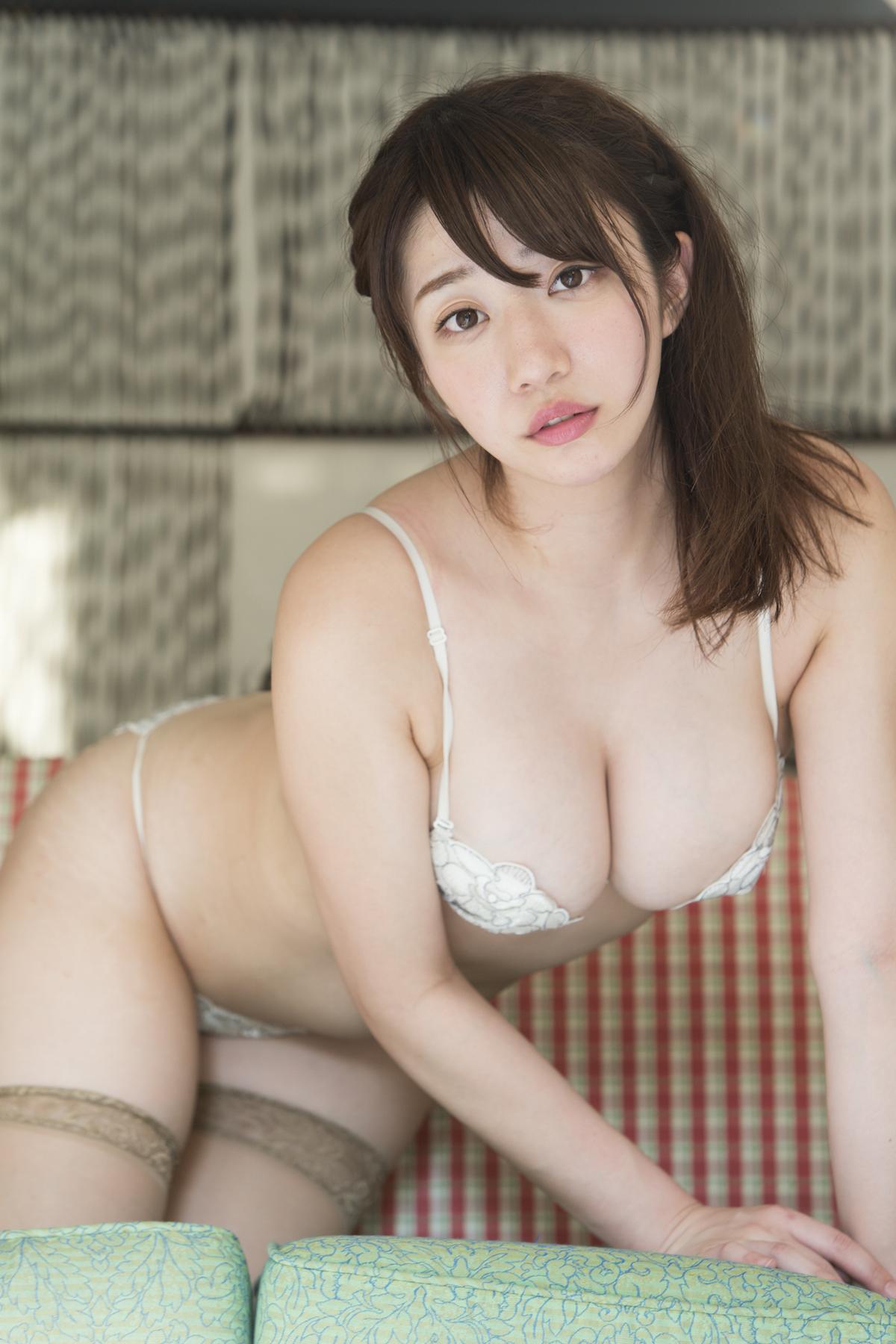 【巨大な乳房が】 池田愛恵里 1 【ブルンブルン!】fc2>1本 YouTube動画>12本 ->画像>510枚