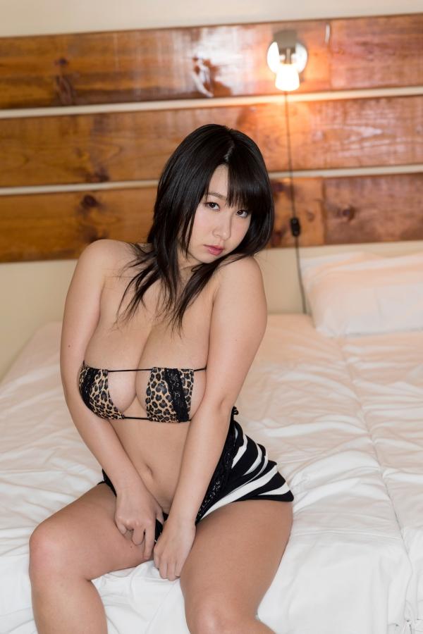 桐山瑠衣 グラドル復活 dvd もっとオトナるい 画像